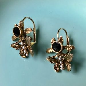 VTG Gold Toned Butterfly Pierced Fish Hook Earring